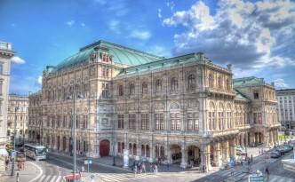 Oper in Wien (Rückansicht)
