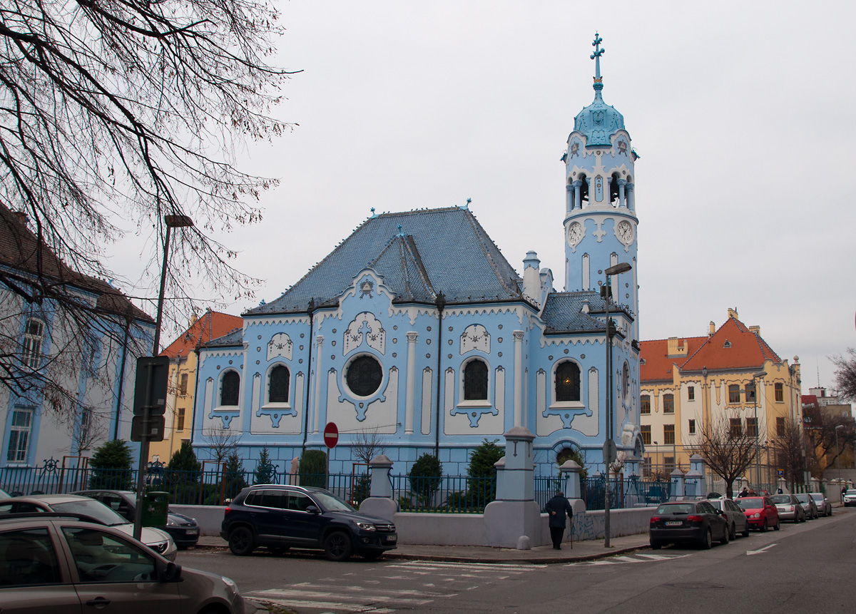 St. Elisabeth in Bratislava // die blaue Kirche