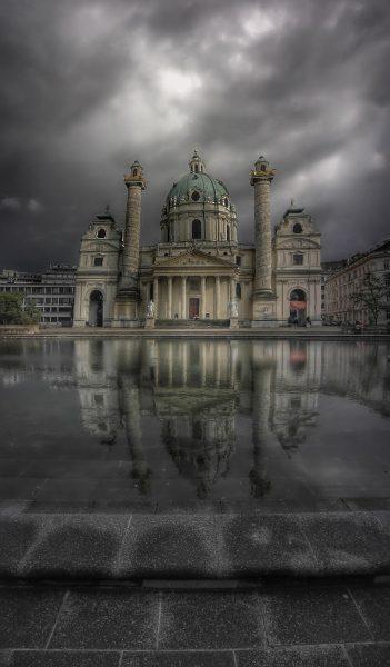 mystischer Karlsplatz