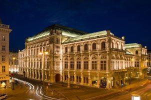 die Wiener Oper bei Nacht